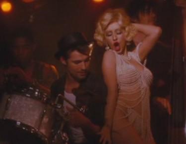 burelesque - Christina Aguilera blonde chanteuse